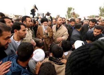 حضور امام خامنه ای در مناطق زلزلهزده استان کرمانشاه