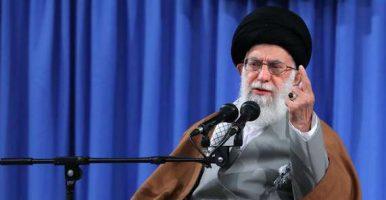 دیدار مسئولان نظام و میهمانان کنفرانس وحدت اسلامى با امام خامنه ای